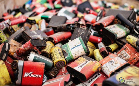 Zasady bezpiecznego zbierania baterii