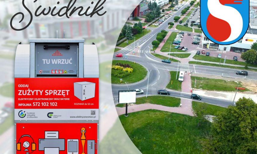Czerwone pojemniki w Świdniku